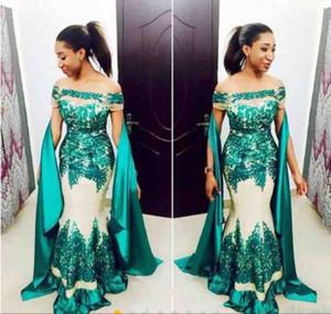Hunter Green Black Girl Prom Dresses 2019 Off spalla maniche corte pizzo abiti da sera applique con nastro sweep treno abiti africani