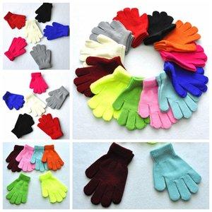 Finger Gloves bambini invernali solido di colore della caramella della ragazza del ragazzo acrilico Guanto Kid calda lavorata a maglia Stretch Mitten Studente all'aperto guanto regalo RRA2228