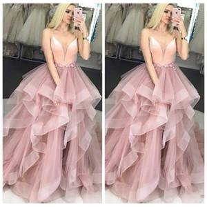 2019 Spaghetti Strip Ball Gown Prom Dresses Ruffles Sweep Treno Tulle Formale lunghe donne Plus Size abiti da sera abiti speciali Occasioni