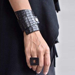 2020 Crack кожаные ювелирные изделия браслеты женщин Мода Vintage браслеты Браслет Punk Стиль Мягкая кожа ювелирные изделия Прохладный Оптовая