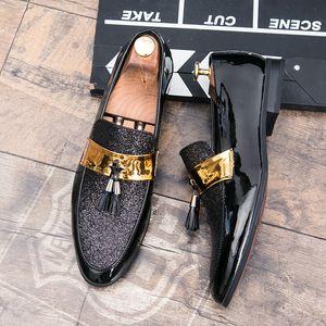 M-anxiu Uomo Nero Oro formale scarpe patchwork in pelle PU Men Casual Shoes per il vestito da uomo Scarpe 2020 Nuovi