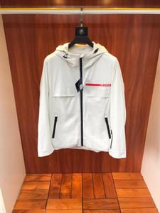 Free Shopping! jaqueta de 2020 de moda nova dos homens com tampa, de design da marca de impressão LOGO, à prova de vento e impermeável, tamanho M ~ 3XL