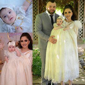 2019 Lüks Uzun Kollu Vaftiz Önlükler Bebek Kız Dantel Aplike İnciler Vaftiz Kaput Ile Elbiseler İlk Komünyon Elbiseler