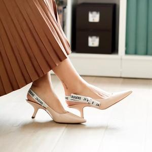 Стильный Лук Сучка дама Насосы сандалии Остроконечные Писем мода Кошка Каблуки с пустым женской Slingback Насосы обуви