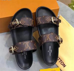 Yeni Moda Kadın ve erkekler Günlük Peep Toe sandalet kadın Deri Terlik Ayakkabı Erkek kız Lüks tasarım kutusu ile ayakkabı flip-flop