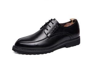 d2a62 zapatos de cuero blanco Negro marrón vestido de la manera de los hombres del banquete de boda con cordones de hombre de negocios Oficina Oxford Pisos