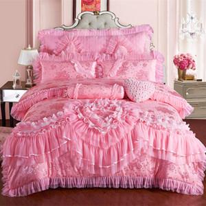 الوردي الدانتيل زفاف الأميرة الفراش الفاخر Set King Queen Silk Stain Stain Back set Duvet Cover Bedspread Pillowcase T200326