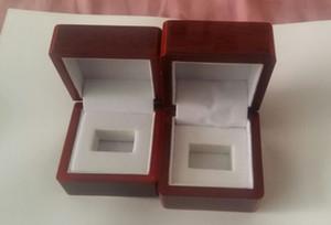 Caja de madera con anillo de metal anillo de campeonato de la bisagra de compromiso, oferta u ocasiones especiales, movible blanco