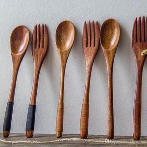 2pcs / set de madera creativa Cuchara Tenedor Juego de 18 cm de mango largo Stiring cuchara de postre Tenedor de madera favor de vajilla de cocina Accesorios de boda