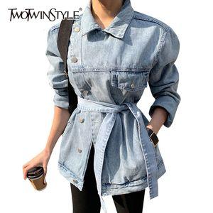 TWOTWINSTYLE Casual Asimetrik Denim Kadınlar Coats Yaka Collae Uzun Kollu Yüksek Bel Lace Up Düzensiz Ceketler Kadın Moda