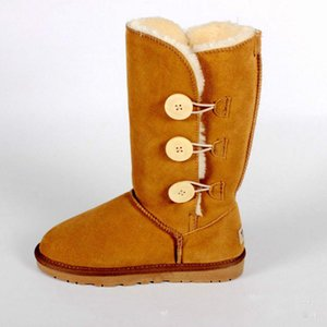 The new winter 2019 boots contracted cowhide students female pop cotton shoes flat round head high boots lady warm warm shoes