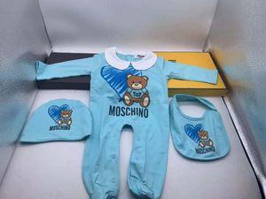 Marca Criança infantil Romper Designer roupa do bebê Define 3pcs Rapazes Meninas luva cheia de algodão Jumpsuits macacãozinho + chapéu + Bib / set Sui