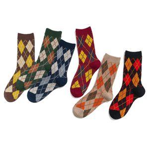New Arrival Retro Socks Women Street Designer Socks with Geometric Womens Athletic Winner Running Fashion Breathable In Tube Socks 17 Colors