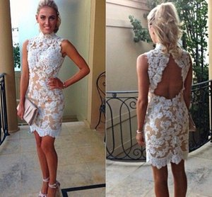 Promoção Vintage Lace Cocktail Dresses High Collar Lace White Champagne Forro Prom Curto Partido Backless Apliques Vestidos