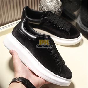 Top qualité 2020 NOUVEAU Femmes Hommes Black Velvet Chaussures Chaussures Belle plateforme Sneakers Casual Chaussures en cuir solide Couleurs Chaussures Paris