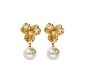 Diseñador de lujo pendientes de oro con joyas de perlas para las mujeres flor de la aleación de la manera cuelgan los pendientes para la boda del partido