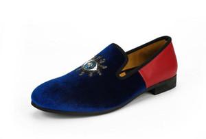 New Blue Velvet и Red Leather Matching Мужчины Мокасины ручной поскользнуться на мужчин Вышивка платье обувь Удобные мужские Обувь для некурящих I22