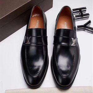 2020 luxurious Men TOP Leather Shoes Low Heel Fringe Shoes Dress Shoe Brogue Shoes Spring Ankle Boots Vintage Classic Male Casual US6-11