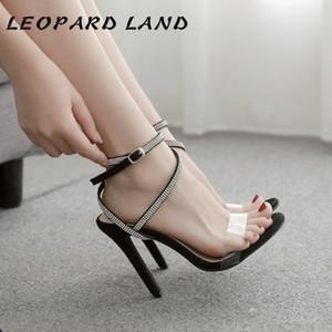 Sapatos LEOPARD LAND Moda salto alto Roman Rhinestone Banquete das mulheres Stiletto Cruz Strap Black Mulheres Buckle Sandals ZL