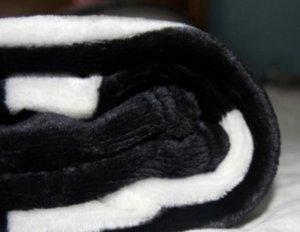 Tessuti per la casa popolare thicking nero Coperte 130,15 mila centimetri 150,2 mila centimetri flanella di lusso morbido caldo Coperte coperta della flanella bambino letterecci Swaddling