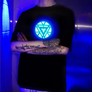 Verano 2019 Hombre Iron Man Luz LED Control acústico O-cuello Camiseta de manga corta Camiseta de madre Camiseta casual con estampado 3d Divertido
