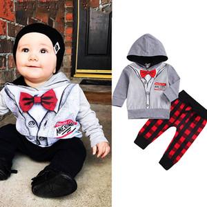 Bambini Ragazzi Outfits Gentleman falso Papillon con cappuccio a strisce Tops + Qlaid pantaloni 2pcs / set bambino Desiner Abbigliamento bambini M523
