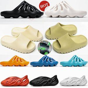 Köpük Runner Kanye West Slaytlar 450 Kemik Beyaz Üçlü Siyah Reçine Sandalet Erkekler Kadınlar Erkek Moda Loafers Terlik Açık Loafers