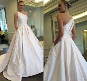 2019 Fashion One Robes de mariée épaule avec poches dos sexy long Sweep Robes de mariée une robe de ligne
