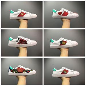 Gucci luxury designer shoes Women Chaussures de luxe pour homme chaussures de sport chaussures de sport femmes blanches sneakers bonne broderie abeille coq tigre chien fruits sur le côté avec boîte OG