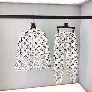Louis Vuitton suit LV xshfbcl 2020 مجموعة جديدة اللون الكلاسيكي منع حزام المنسوجة البلوز مقنع رأس قابل للتعديل حجم الشعار شعار المنسوجة الأجهزة سحاب YK2 ملزمة الداخلية