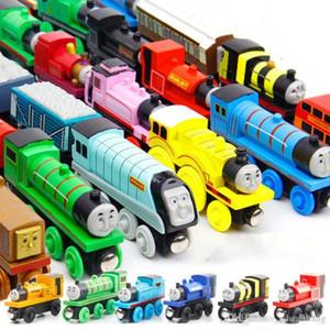 Motores Thomas dibujos animados de madera modelo de tren de juguete, mini tamaño, de 59 estilos, Compatible con la Vía de tren, para el partido de Navidad del niño del regalo de cumpleaños, ornamento