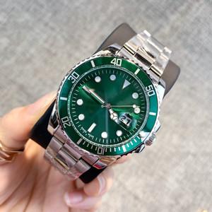 2019 Classique modèle homme Montre de luxe en argent en acier inoxydable Montres-bracelets designer style populaire moderne montre Homme horloge haute quailty