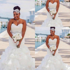 Vintage Plus Size sposa Mermaid africana Abiti Sweetheart Sashes cristallo cinghia in rilievo del Organza increspature Tiered personalizzati Abiti da sposa Formal
