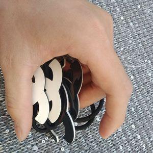neue Art und Weise Haarschmuck Auflistelement c Symbol Acryl-Haar-Riegel-Haargummi Seil Gute Qualität Haarschmuck