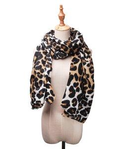 Großhandel Weihnachtsgeschenk Acrylfaser Herbst Winter Damen Schal Leopard-Druck-Schals Customized Snake Skin Andere Schals DOM1440