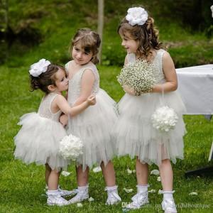 2019 Vestido de niña de flores con gradas y rayas hasta las rodillas con cuello redondo sin mangas de encaje Primera comunión para vestidos de fiesta de cumpleaños de niña
