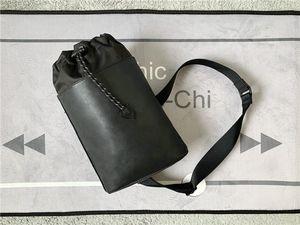 Novo Design funcional de um ombro saco de auto-corda de escalada de vedação para fácil acesso ao alças largas