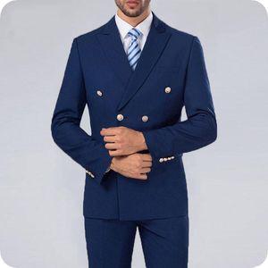 Navy Blue vestiti degli uomini Uomo Blazer doppiopetto 2Piece visiera risvolto più recenti di mutanda del cappotto del design formale costume Affari Homme Prom Wear