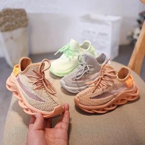 2020 New Kids Sport Boys Shoes malha superior Running Shoes Casual Moda respirável Meninas Sneaker Branco Preto Calçado Size26-36