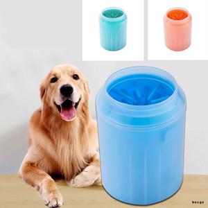 Escova Silicone Hot macio Pet Pé Washer Copa do cão de filhote de Pé Washer sujos Ferramentas de lavagem macia Pet apertar a mão de Limpeza Pé Cup DBC BH3137