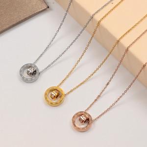 고품질의 로마 숫자를 두 번 링 다이아몬드 펜던트 목걸이 티타늄 스틸 원형 중공 짧은 체인 도매