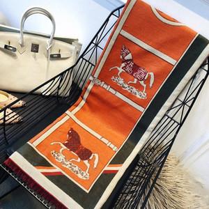 De calidad superior Doble hielo gasa de seda de la bufanda de las mujeres suaves cuatro estaciones de impresión bufandas de lujo de la camelia diseñador largo mantón Añadir Paperbag