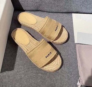 New Top Fashion Luxury leather Designer Womens Suede Slipprs Fashion Shoes Slide Sandals Flat shoe Dress Shoes shoe001store DI03