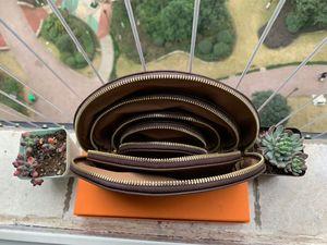 4PCS / مجموعة جودة عالية جديد السفر أدوات الزينة الحقيبة حماية ماكياج الفاصل النساء جلدية حقائب التجميل لالسخافات أكياس مع حقيبة الغبار