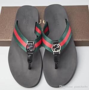 51125 NEW Designer Slipper Gear Bottoms Herren Striped Sandalen Kausal Rutschfeste Sommerhose Slipper Flip Flops Slipper BEST QUALITY