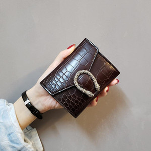 2020 New designer wallet small wallet women's short retro discount coin purse multi-color hot mini women's leather bag factory price
