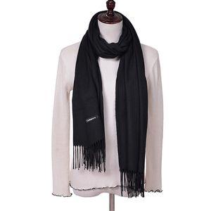 Yeni Moda Püskül Ile 100% Faux Kaşmir Eşarp Kadınlar Katı Atkılar Saf Renk Kış Başörtüsü ve Pashmina Boyutu 180 * 65 cm