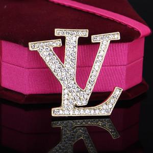 Vintage Kristal Lüks Tasarımcı Broş Kadınlar Harf Tasarımcı Broş Suit Yaka Pin Moda Takı aşıklar için Aksesuar Hediye