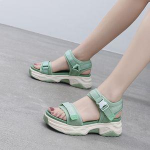 Wedge Sandals HKXN 2020 Verão Novo Mulheres Waterproof antiderrapante Plataforma Mulheres Sandálias Moda Casual Praia T