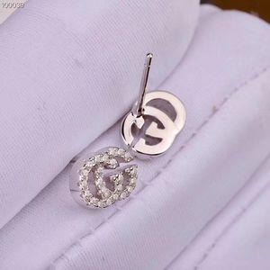 S925 الفضة أعلى جودة جوفاء الكلمات مع أقراط الماس لل زفاف سيدة تصميم الأزياء مع مجوهرات اسم العلامة التجارية مع مربع PS7454